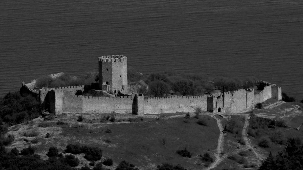 κάστρο Πλαταμώνα