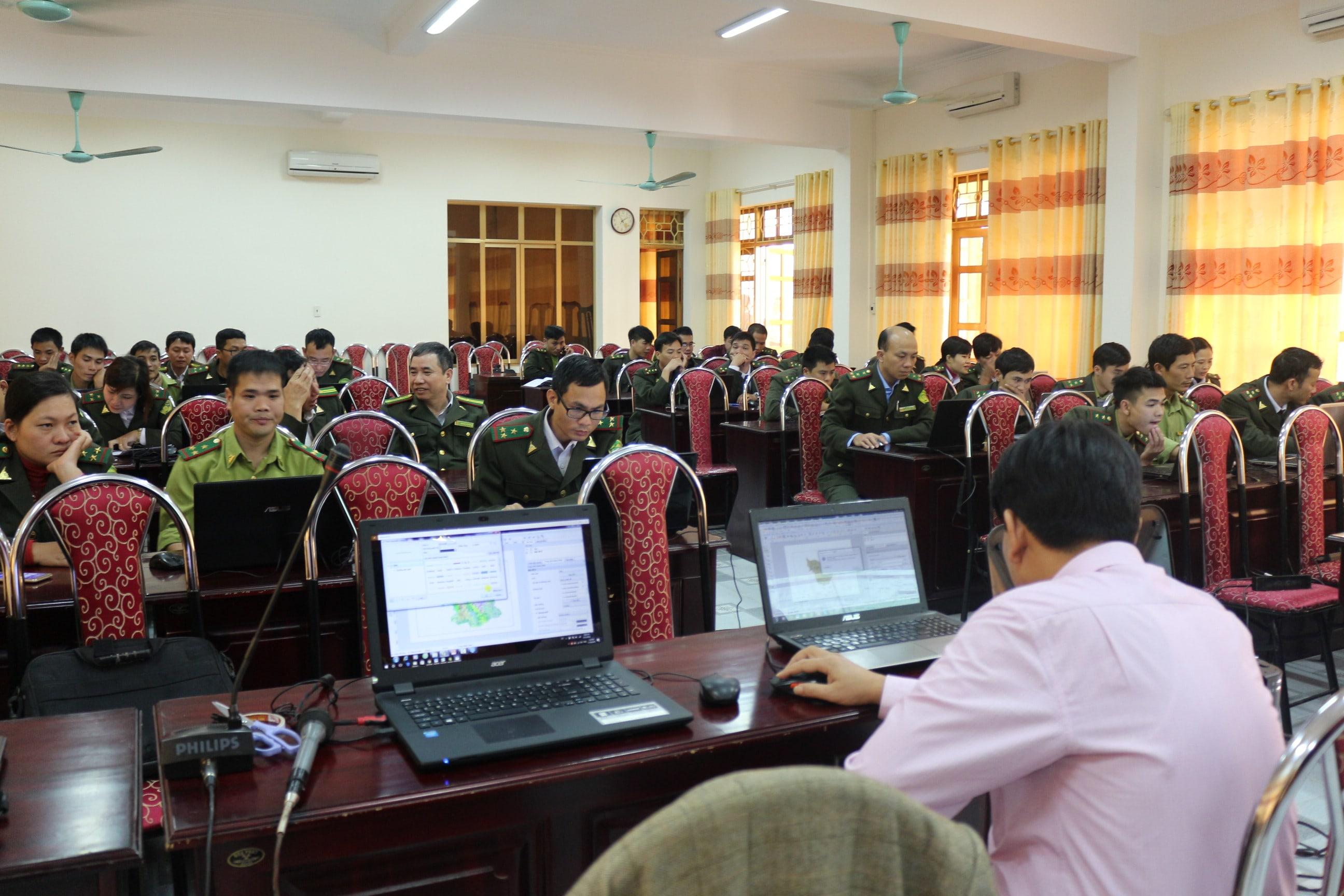 Th.S Nguyễn Văn Hiểu hướng dẫn thực hành biên tập bản đồ