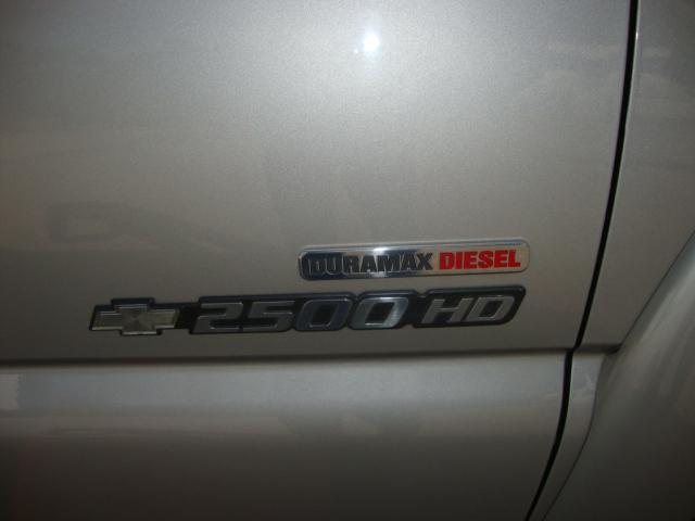 2004.5 Duramax Silverado 2500 HD Crew Cab 003