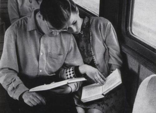 Γιατί αγαπάμε τους ανθρώπους που διαβάζουν;