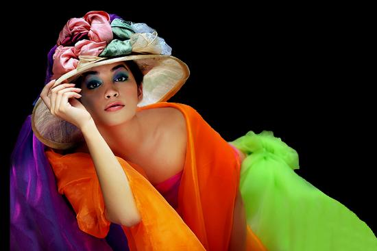 femme_chapeau_tiram_305