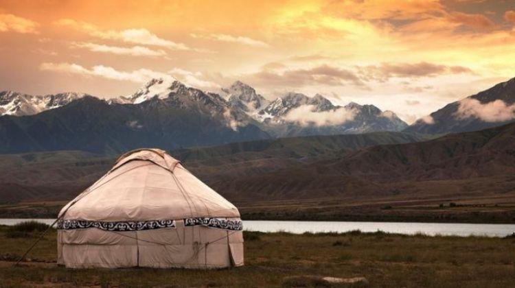 Μογγολία https://www.google.gr/url?sa=i&source=imgres&cd=&cad=rja&uact=8&ved=2ahUKEwi3qJ727creAhUDIMUKHQTCDqoQjRx6BAgBEAU&url=https%3A%2F%2Fwww.bookmundi.com%2Fulaanbaatar%2Flocal-living-mongolia-nomadic-life-4504&psig=AOvVaw1KywevdHVo2YwY8G5LRPWa&ust=1541974806033999
