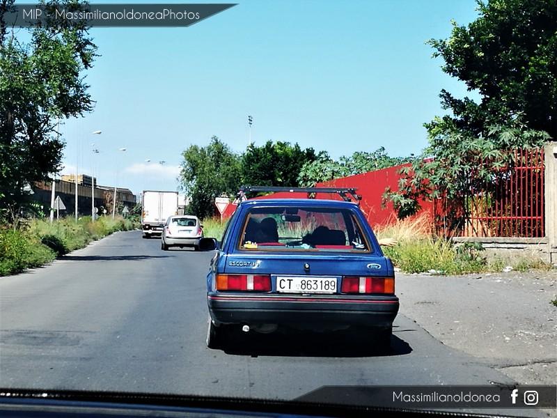avvistamenti auto storiche - Pagina 35 Ford-Escort-1-4-73cv-89-CT863189-2