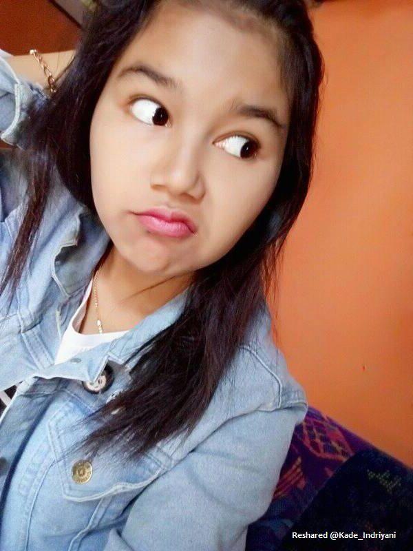 http://image.ibb.co/ehtB1m/kade_foto_gadis_selfie_mata_melirik.jpg