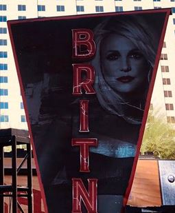Britney Spears  - Σελίδα 21 Britney