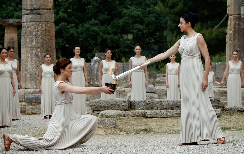 Ancient Greek Clothing: More than Meets the Eye — Steemkr