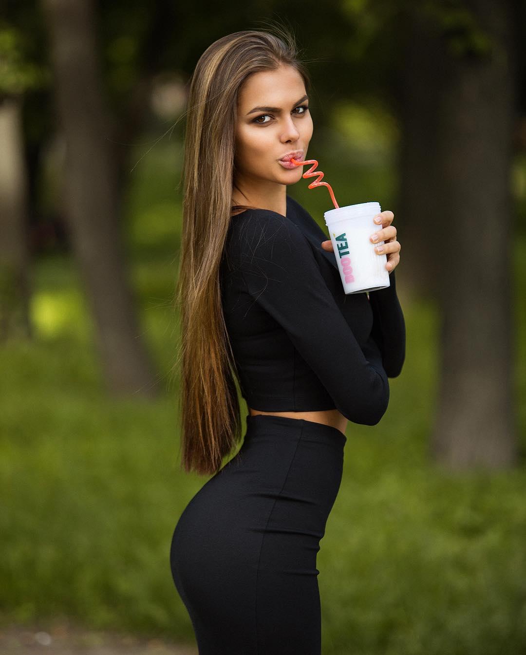 Viki Odintcova - Bio | Fitness Models Biography