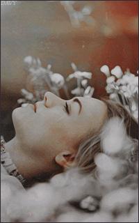 Yvonne Strahovski Avatars 200x320 pixels   Yvon08