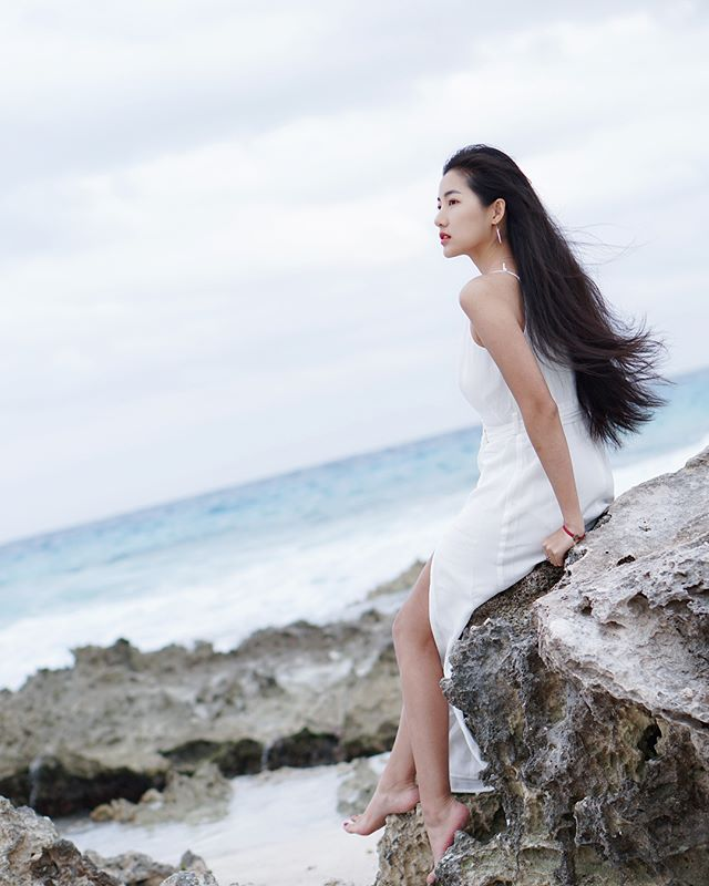 長髮氣質正妹Jia_Jia喝星巴克_超夢幻好美看了好想一起喝