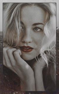 Yvonne Strahovski Avatars 200x320 pixels   Yvon07