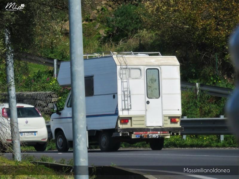 Veicoli commerciali e mezzi pesanti d'epoca o rari circolanti - Pagina 5 Ford_Transit_Camper_D_2_4_61cv_80_VE508975