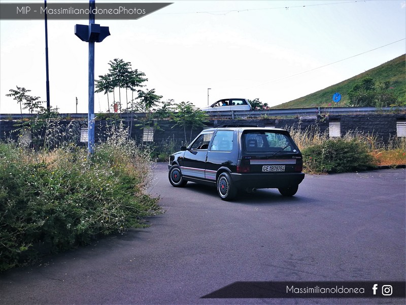 Parking Vintage - Pagina 3 Fiat_Uno_Turbo_i_e_1_3_105cv_88_GEB78764_2