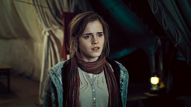 The_Deathly_Hallows_hermione_granger_18106445_652_367