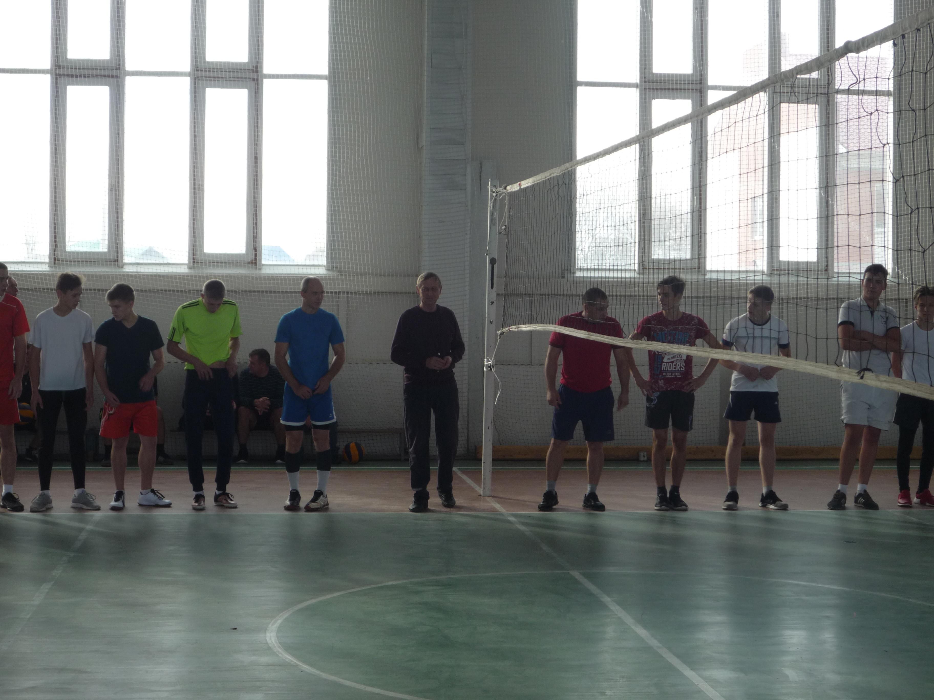 Альбом В спорткомплексе р.п. Токаревка прошли соревнования по волейболу и мини-футболу в рамках празднования Дня народного единства.