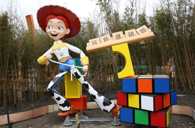 [Shanghai Disneyland] Toy Story Land (2018) - Page 3 W776