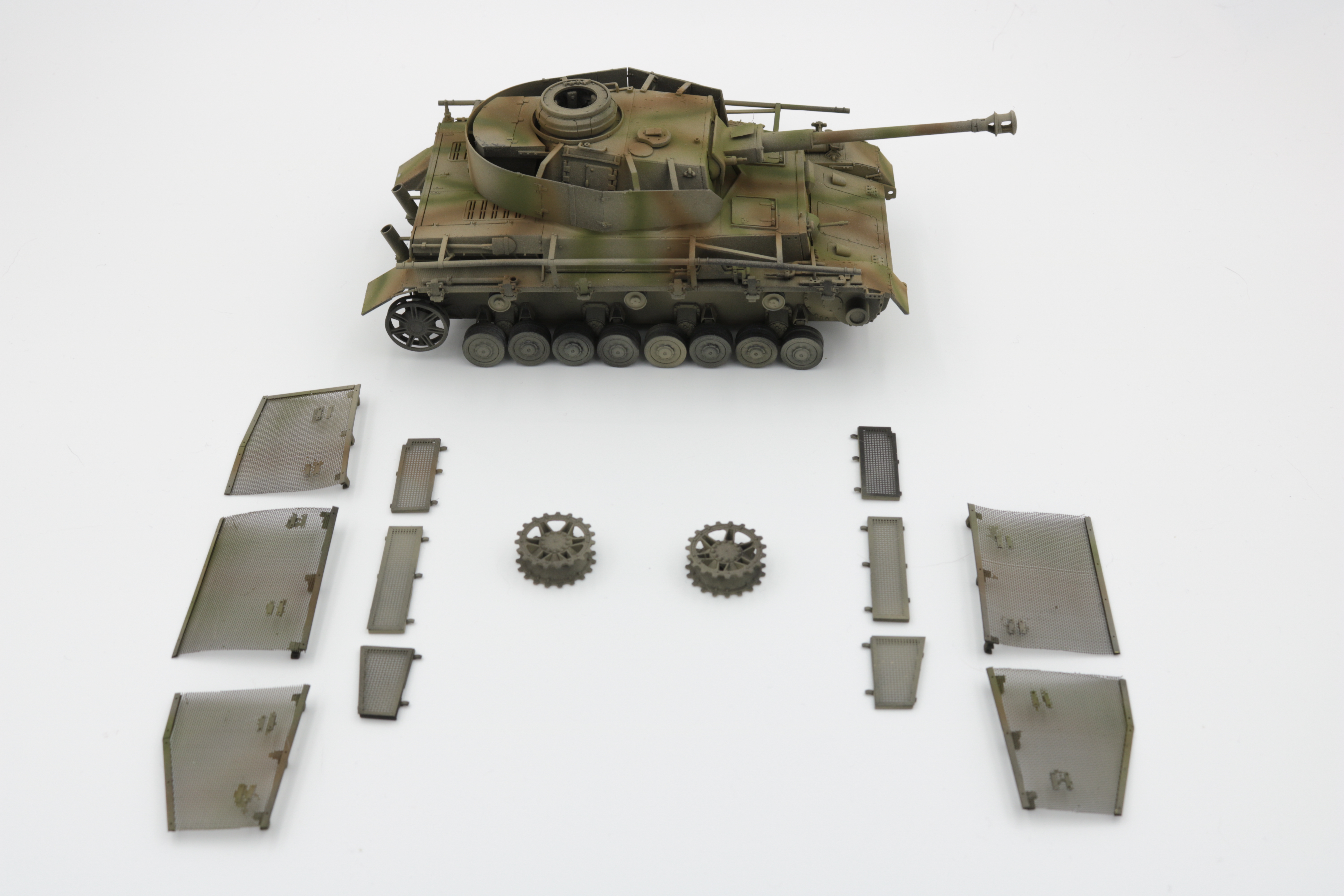 Panzer_IV_initial_paint_2
