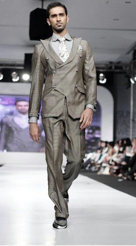 Trending_Dress_Designers_This_Eid_Ul_Fitr_In_Pakistan_Ammar_Belal