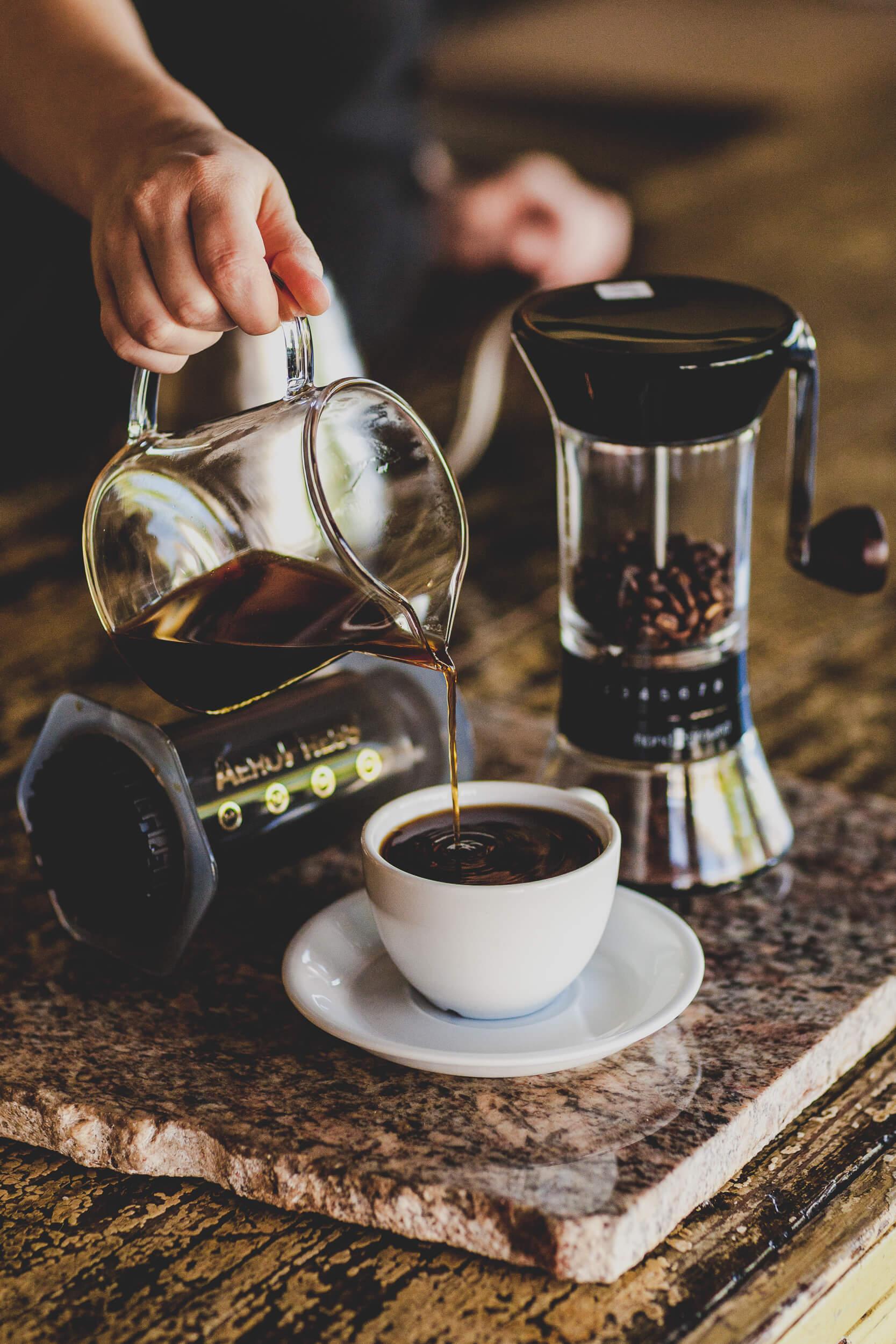 parzenie kawy w aeropressie aerobie