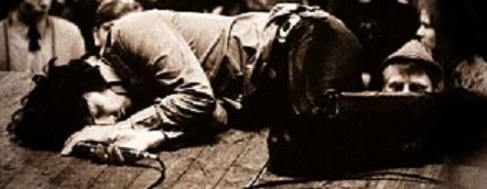 [Imagen: Jim_Morrison.jpg]