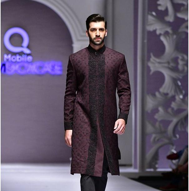 Trending_Dress_Designers_This_Eid_Ul_Fitr_In_Pakistan_Munib_Nawaz