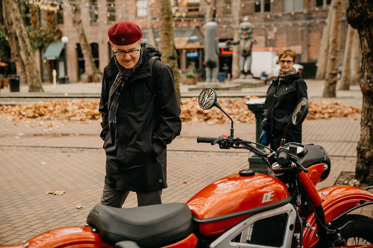 Ural-Electric-Lifestyle-1s