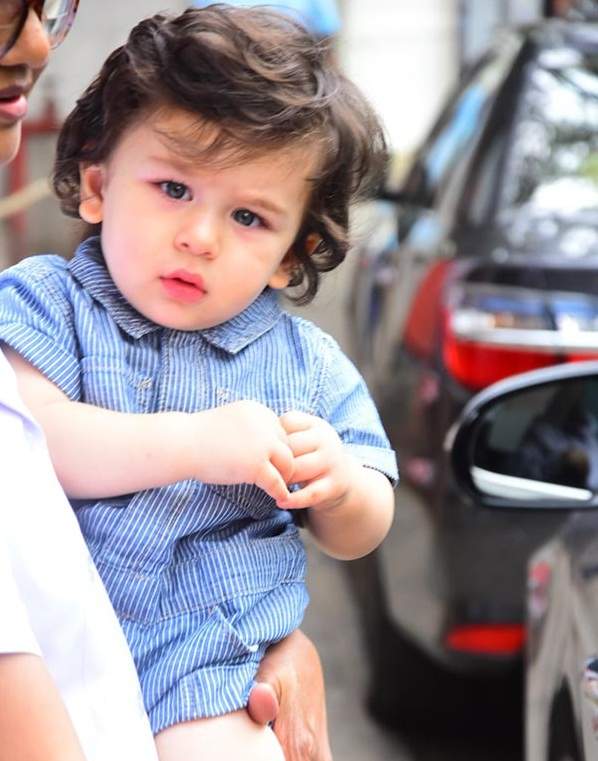 taimur_ali_khan_spotted_outside_his_play_school1