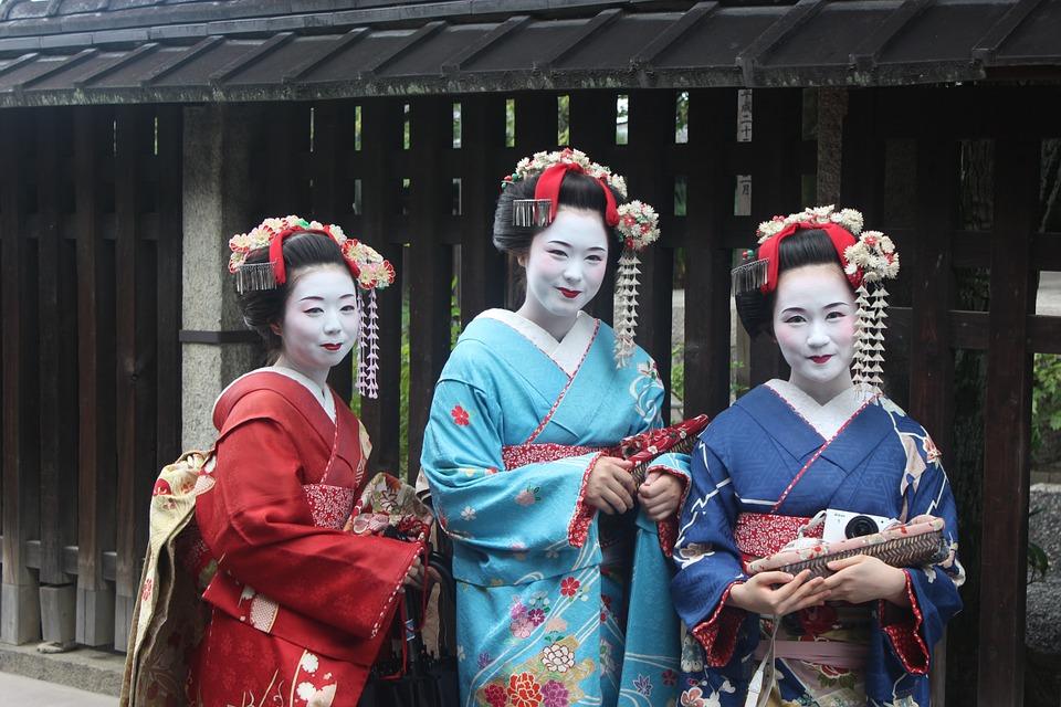 geisha_949978_960_720.jpg