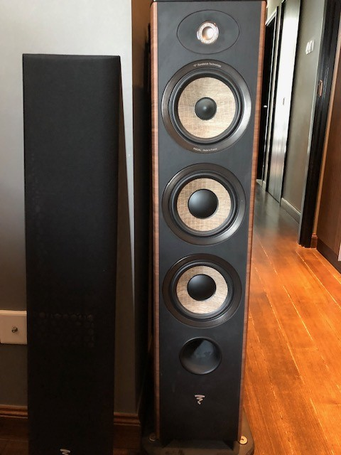 FS : 3-way Focal Aria 926 in walnut @ $1500 (RRP $3300) <SOLD>