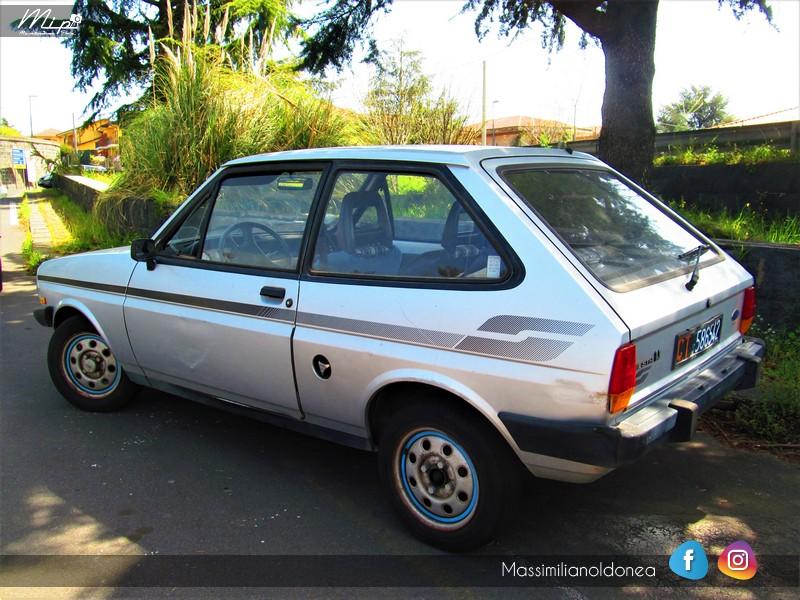 Parking Vintage - Pagina 2 Ford_Fiesta_S_1_1_82_CT586542_2