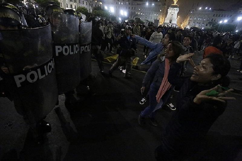 Miles protestaron contra el Congreso y el gasolinazo