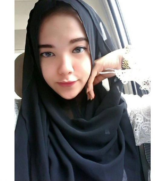 Putus cinta malam hari, pagi harinya gadis ini gantung diri pakai jilbab di kamar
