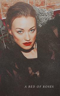Yvonne Strahovski Avatars 200x320 pixels   Yvonne04