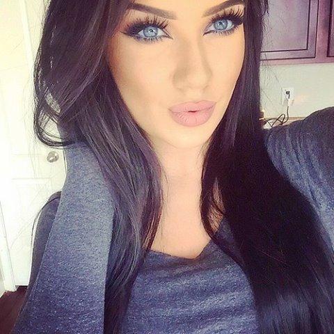 beautiful_blue_eyes_girl_Favim_com_2796635