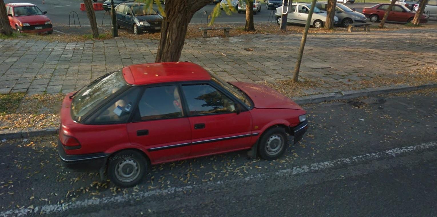 Auto  storiche da Google Maps - Pagina 7 Corolla_5p_Corf
