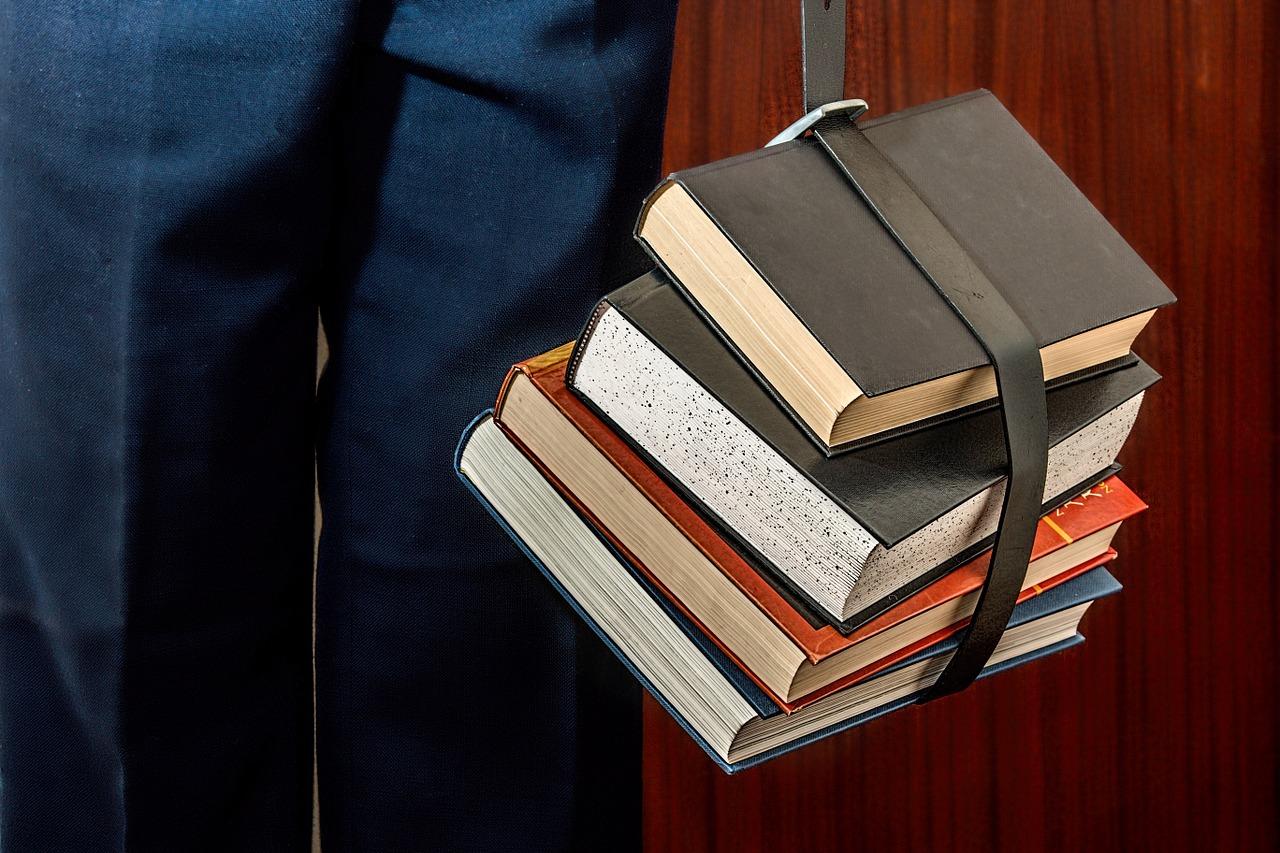 books_1012088_1280