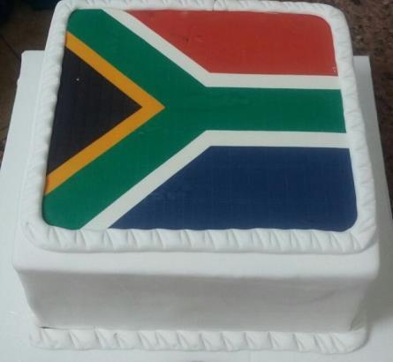 South_Africa_Flag_Cake_445x410.jpg
