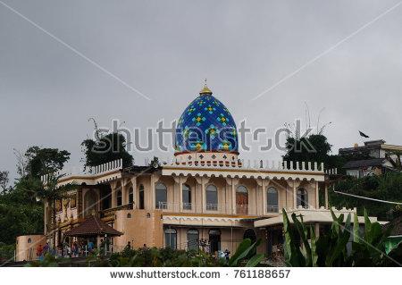 stock_photo_bali_indonesia_masjid_miftah