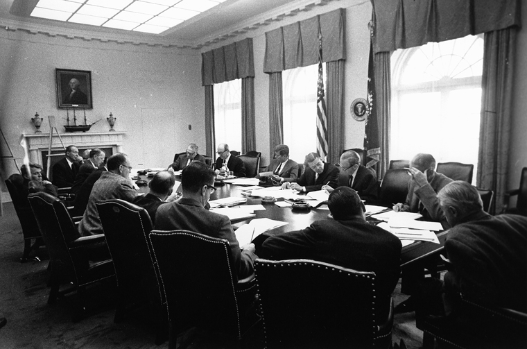 EXCOMM_meeting_Cuban_Missile_Crisis_29_October_1962