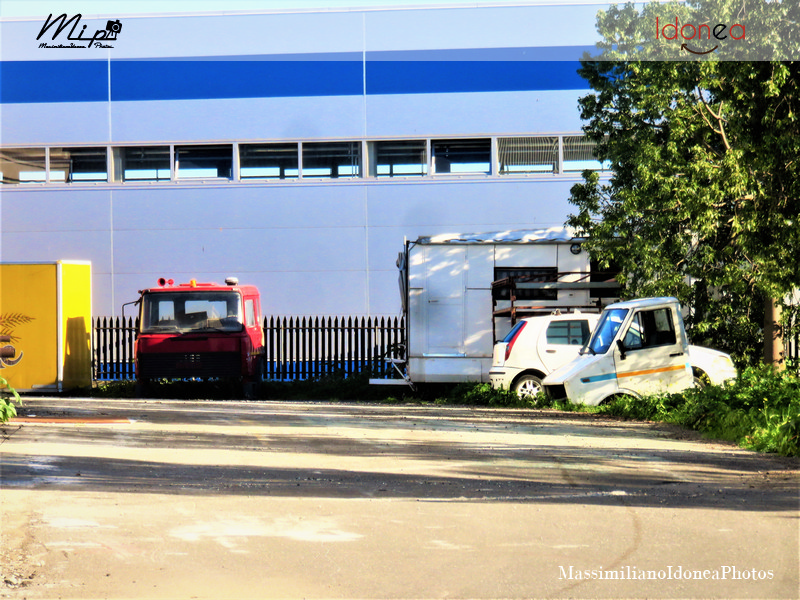 Mezzi Abbandonati - Pagina 4 Iveco_Daily_e_Fiat