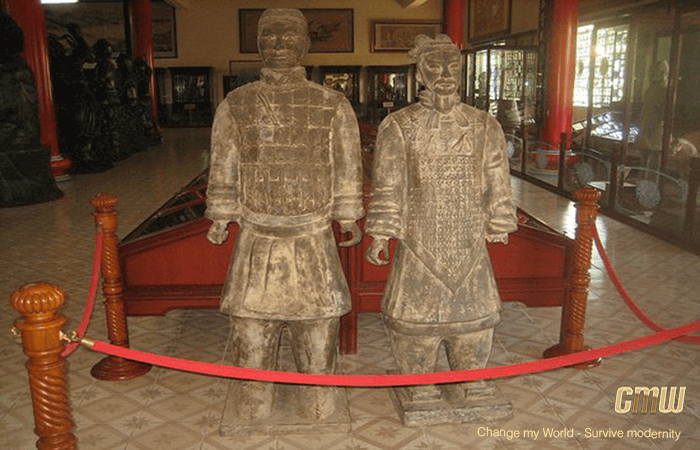 Viharnra-Sien Two original Terra Cotta warriors