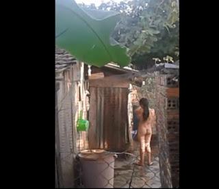 Clip: Chiều 30 tác nghiệp em hàng xóm 16 tuổi tắm đón giao thừa^^