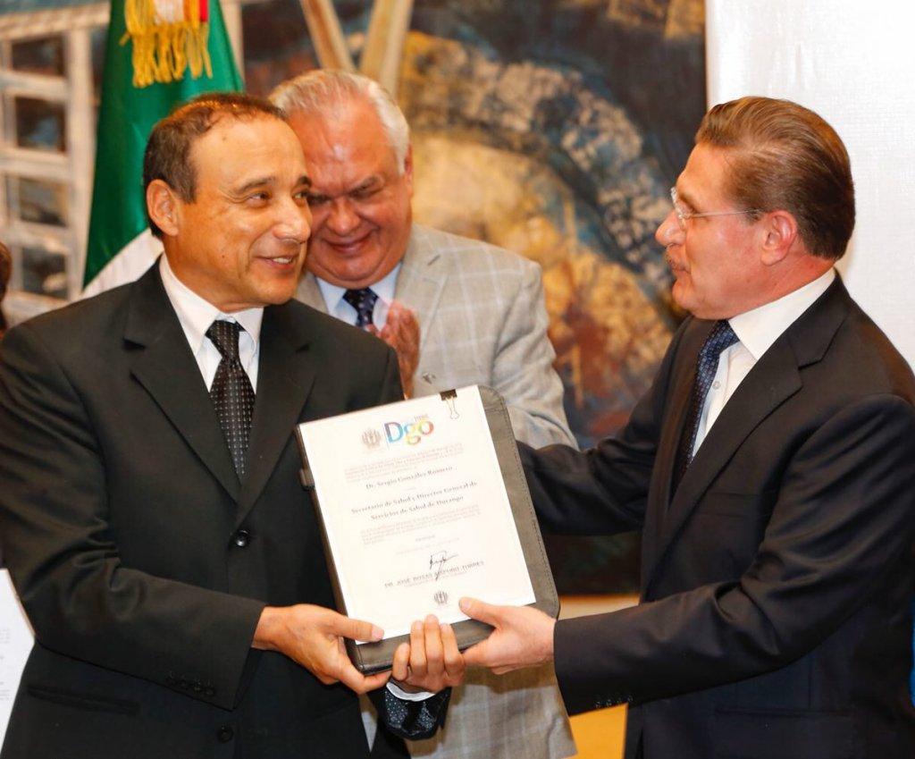 2-Dr-Sergio-Gonzalez-Romero-secretario-de-Salud-mientras-familiares-de-altos-funcionari-os-del-gobierno-del-cambio-realizan-jugosos-negocios-lesionando-gravemente-el-erario-los.jpg