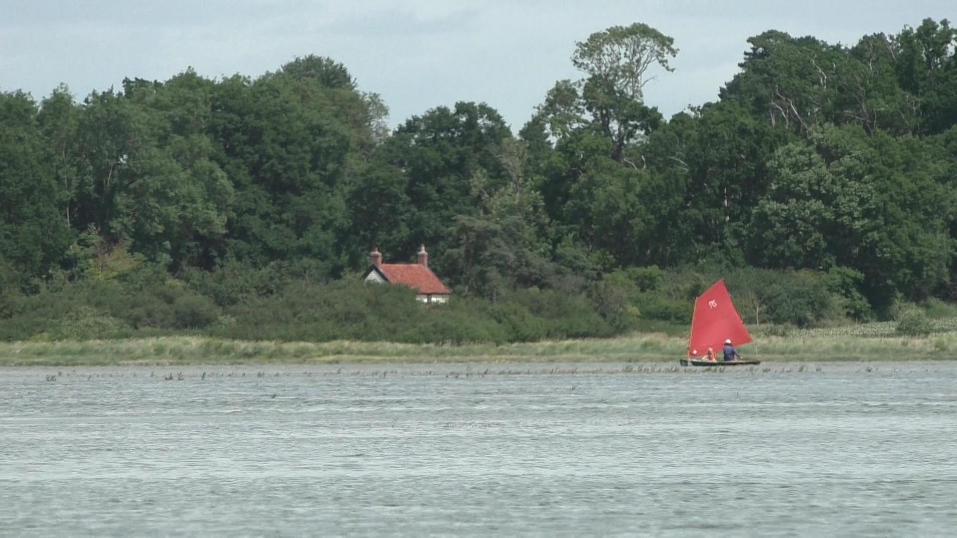 sailing_canoe