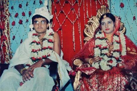 अपनी ही पड़ोसन से भाग कर शादी कर ली थी इस भारतीय बल्लेबाज ने, यहां देखें तस्वीरें