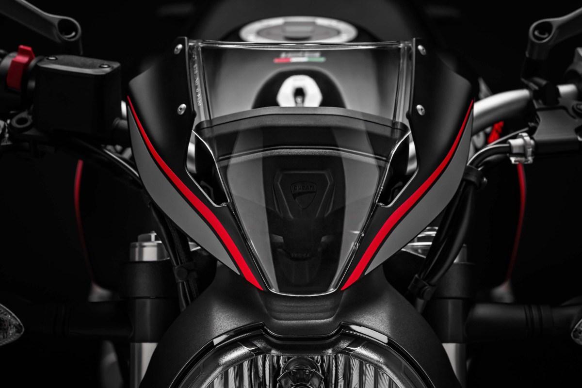 2019-Ducati-Monster-821-Stealth-03
