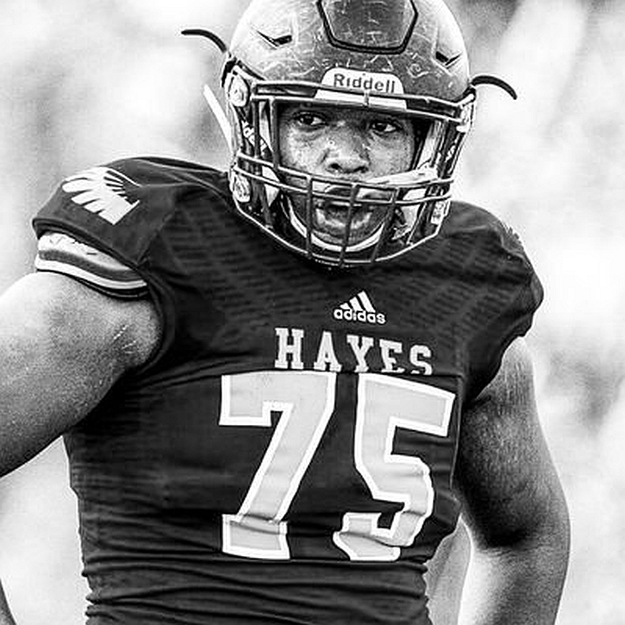 Qadir White - 2018 offensive tackle (photo from Qadir White/ Twitter)