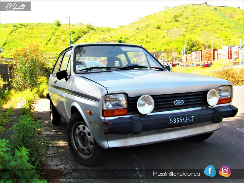 Parking Vintage - Pagina 2 Ford_Fiesta_S_1_1_82_CT586542_1