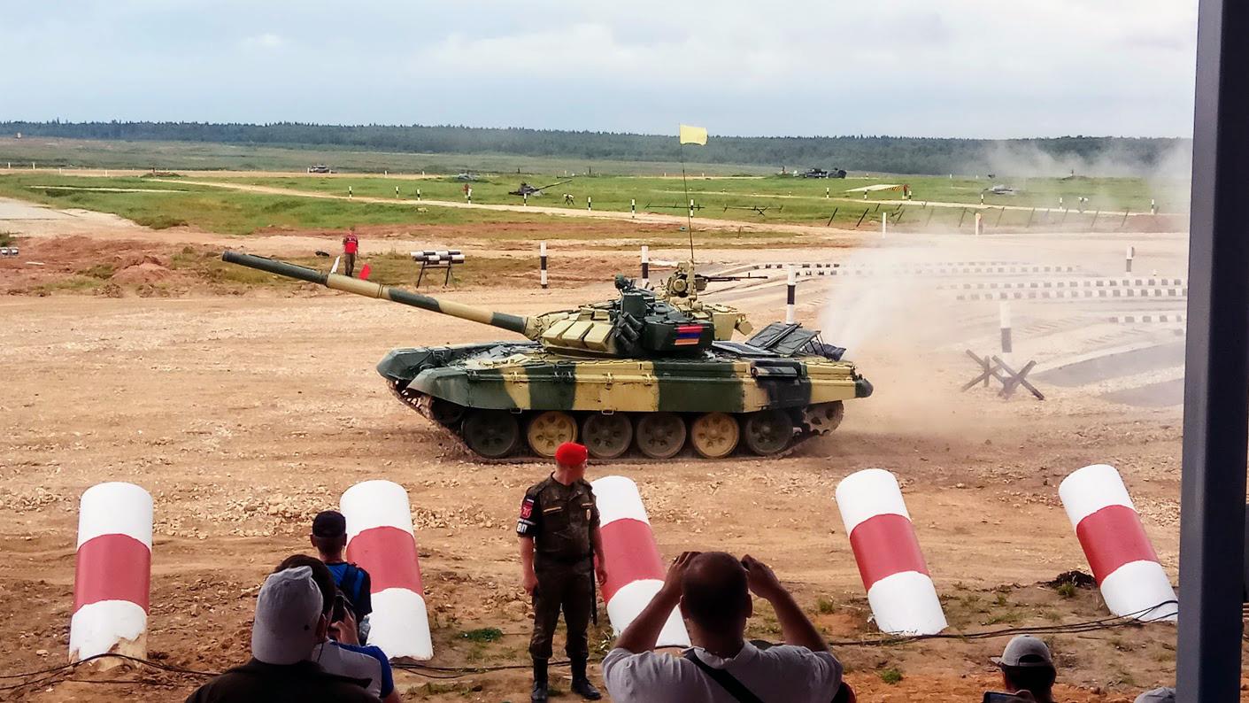 Армянский танк суров и беспощаден!