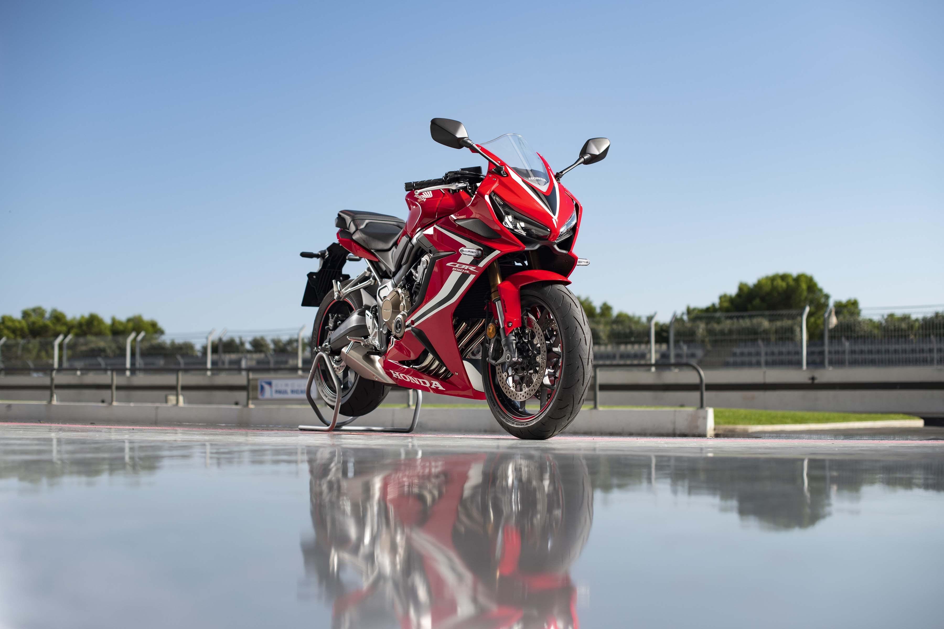 2019-Honda-CBR650-R-33