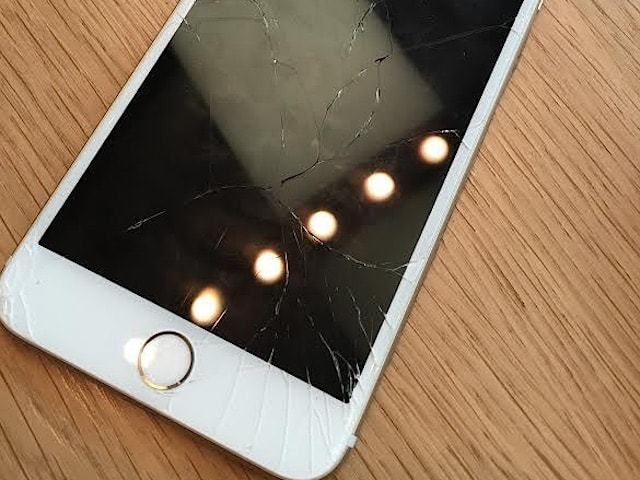 broken_screen_iphone_6